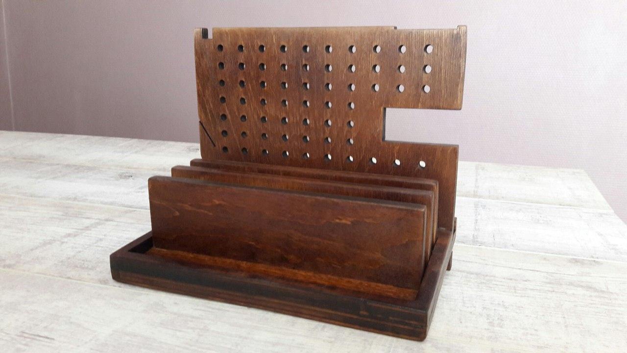 Деревянный органайзер настольный