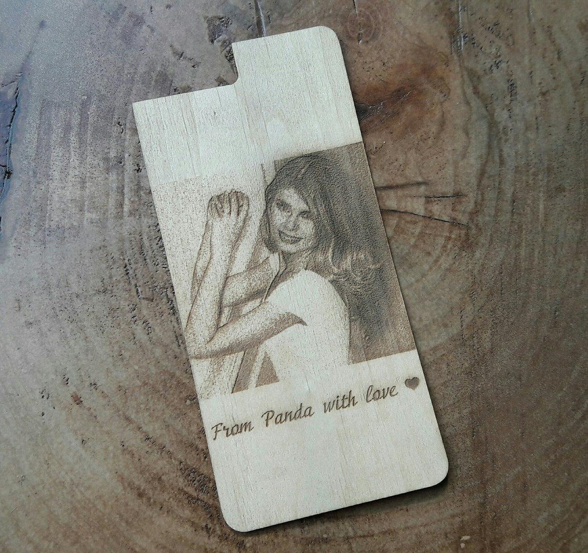 Накладка для телефона с гравировкой фотографии