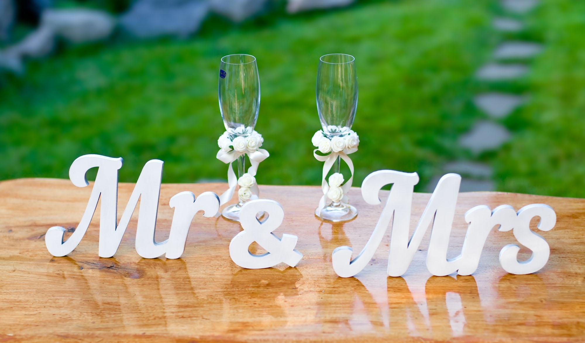 Свадебный декор - деревянные буквы, слова из фанеры Mr Mrs