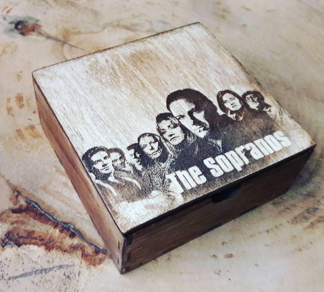 Коробка с гравировкой под заказ