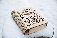 Деревянная коробка книга из дерева и фанеры