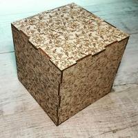 Деревянная коробка из дерева с цветочным узором и лазерной гравировкой