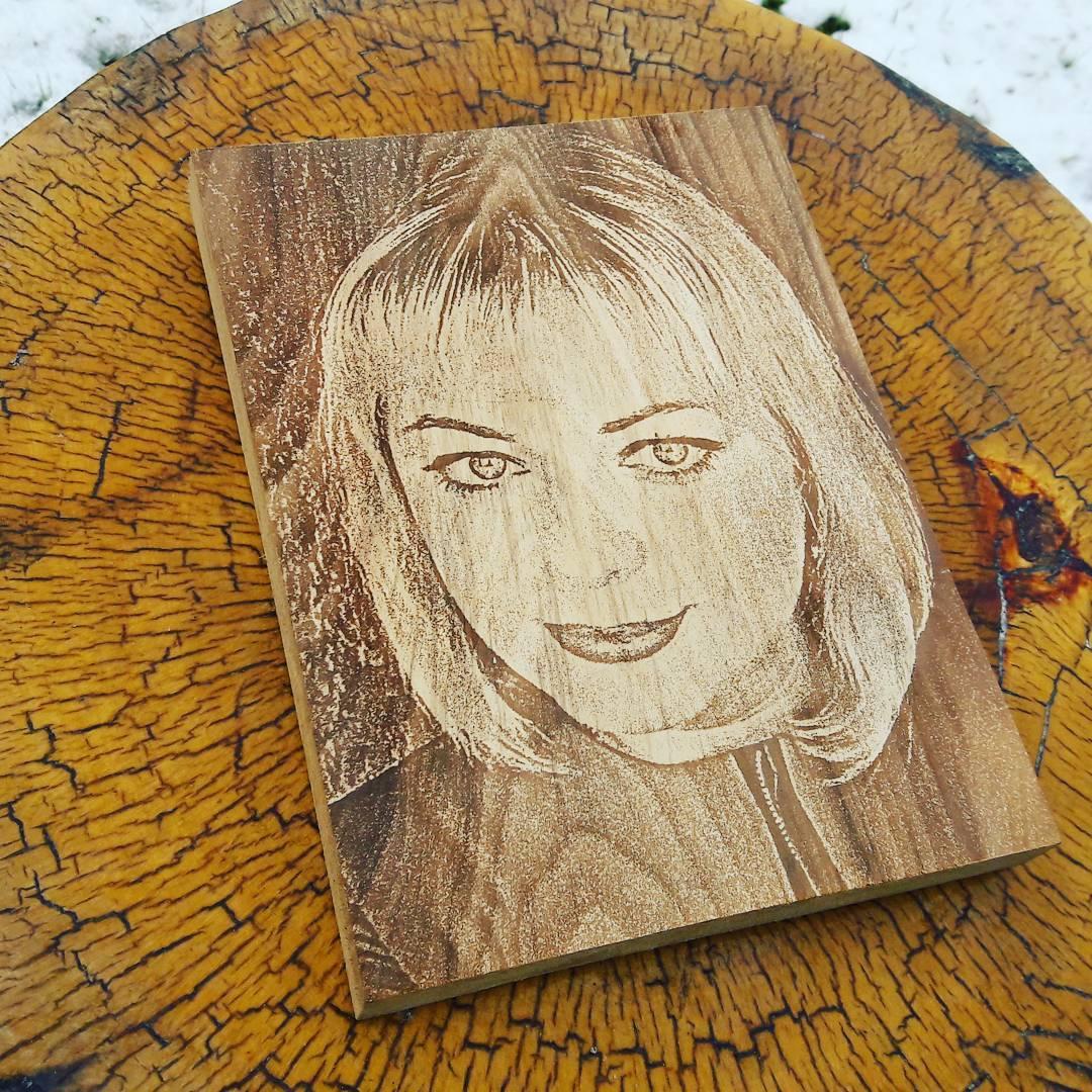 Фото на дереве фотопортрет фотогравировка - удивительный и оригинальный подарок