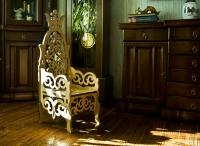 Детский трон стул из дерева и фанеры. Лазерная резка фанеры в Харькове
