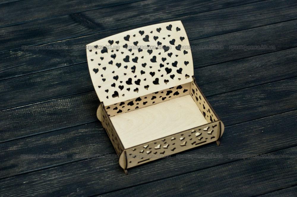 Фирменная деревянная упаковка. Изготовление деревянных коробок под заказ в Харькове. Лазерная гравировка логотипа