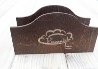 Салфетница из дерева с гравировкой логотипа