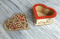 Деревянная шкатулка-сердце