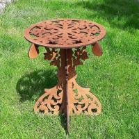 Кофейный резной деревянный столик
