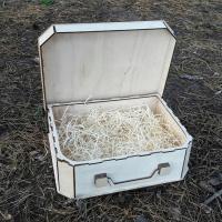 Подарочная деревянная коробка чемодан из светлого дерева