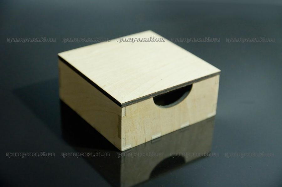 Упаковка из дерева с нанесением логотипа. Лазерная резка и гравировка