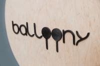 Лазерная резка фанеры, изготовление фасадных табличек