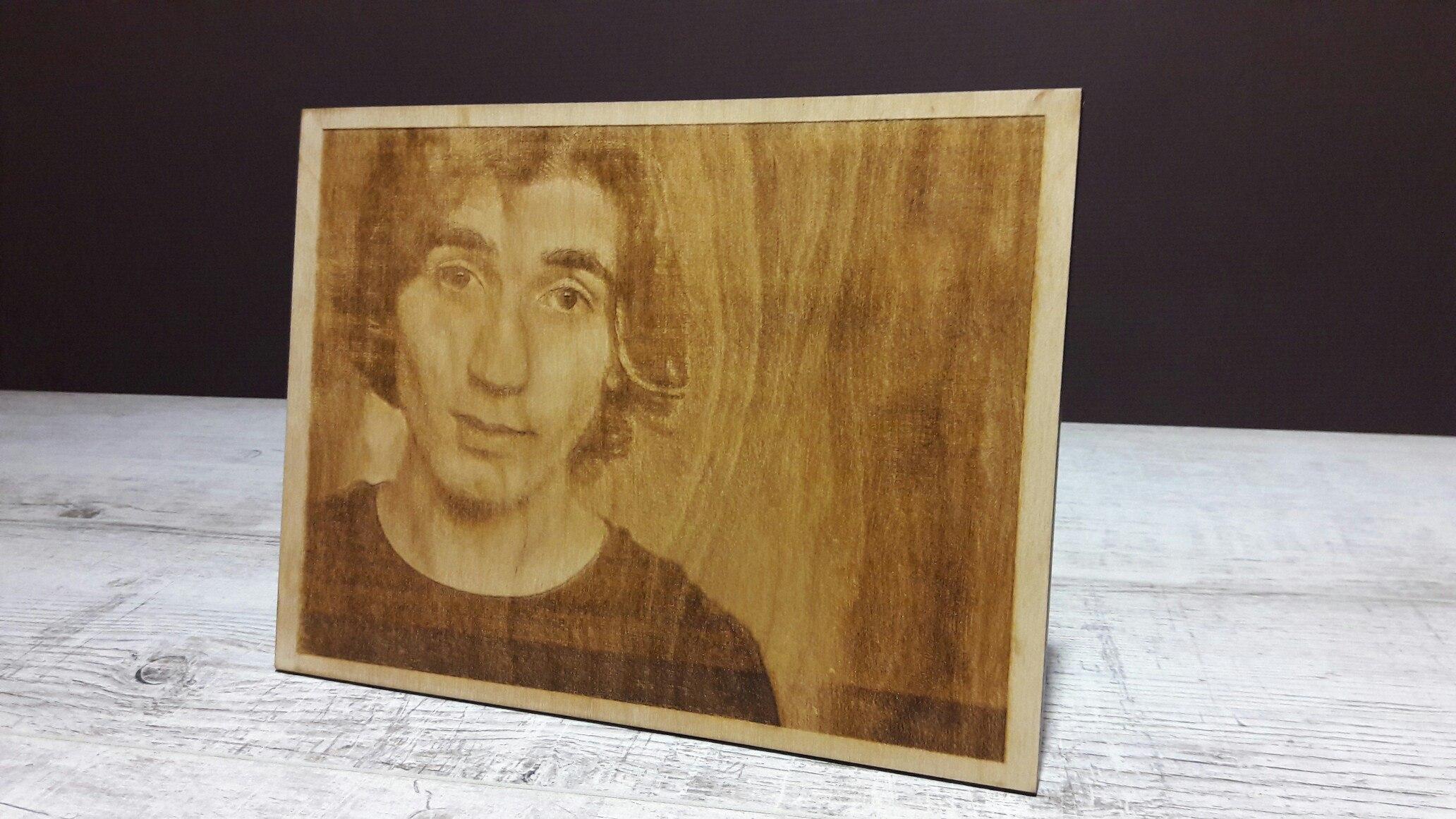 Фото на фанере, гравировка портрета, лазерная гравировка на фанере
