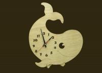 Часы из фанеры, вырезаны лазером