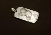 Медальоны и сувениры с нанесением лазерной гравировки фото