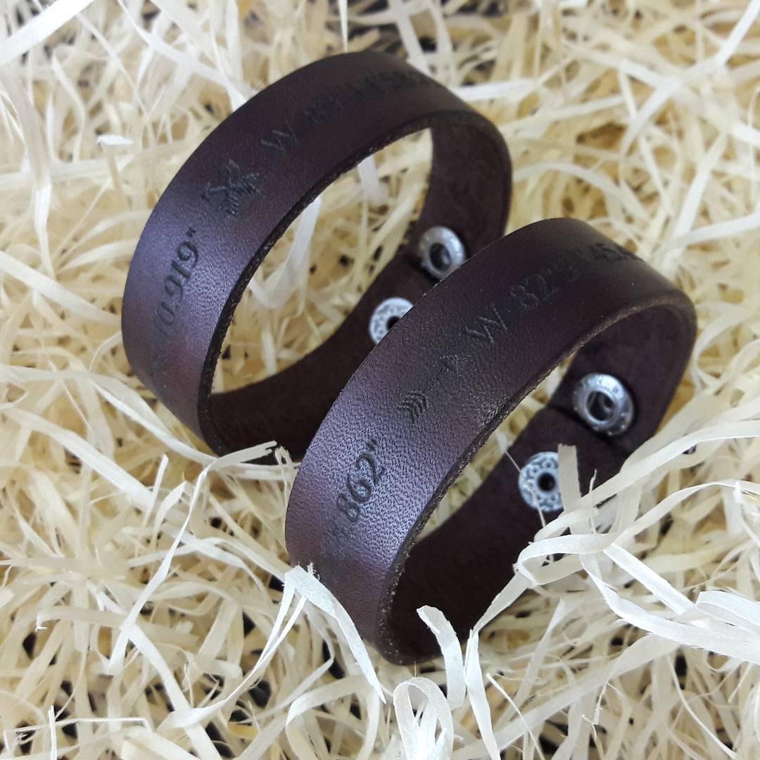 Кожаные браслеты с текстом, лазерной гравировкой
