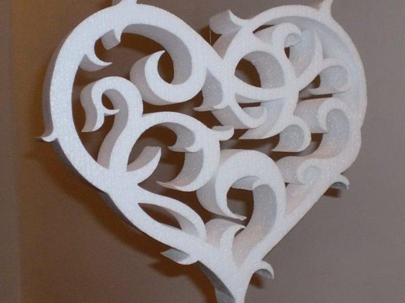 Лазерная резка декораций из пенопласта, объёмное сердце из пенопласта