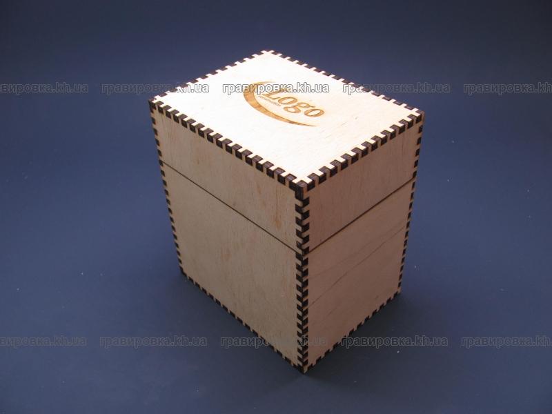 Коробки, шкатулки, упаковка из дерева с гравировкой логотипа
